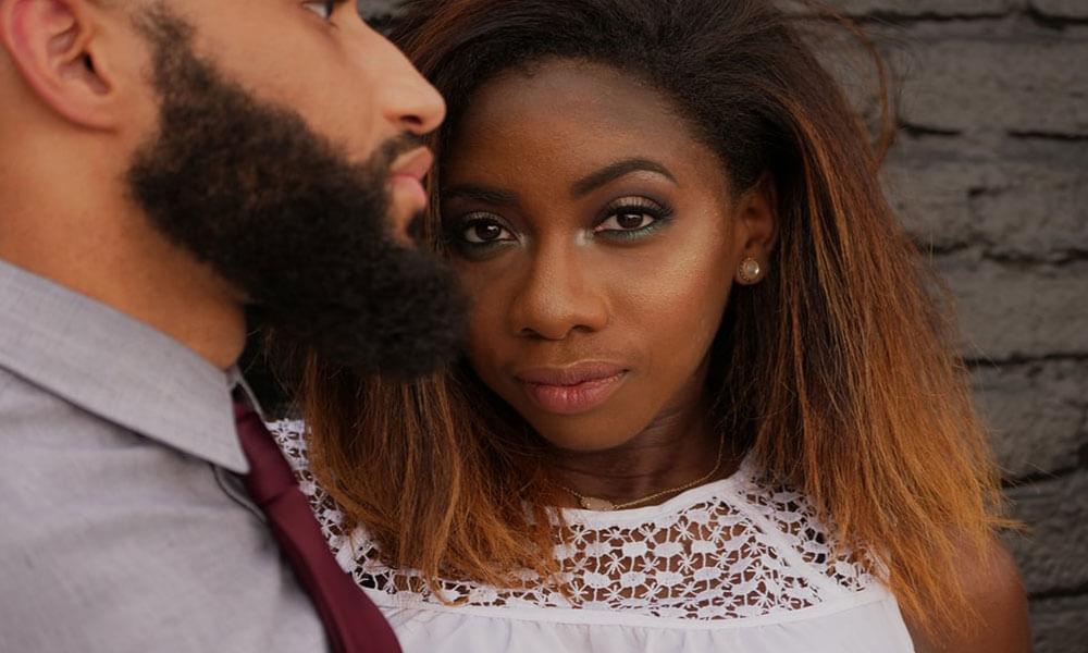Schwarze Frauen daten - Ratgeber und Tipps